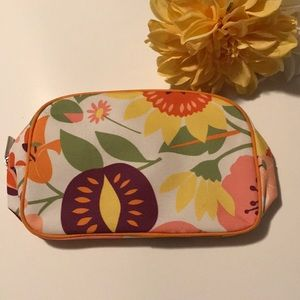 Just in!🌼FREE 🎁! Clinique Makeup Bag